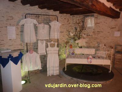 Les bannières de Cluny à Bouchemaine, 5, des dentelles