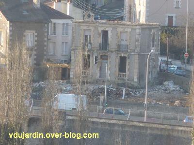 Poitiers, la maison Rolland en cours de démolition, début mars 2012