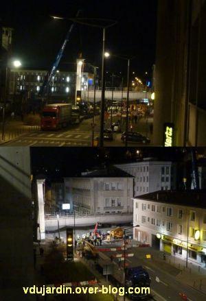 Poitiers, démontage de la grande passerelle, semaine 9, 07, quatrième travée, au sol