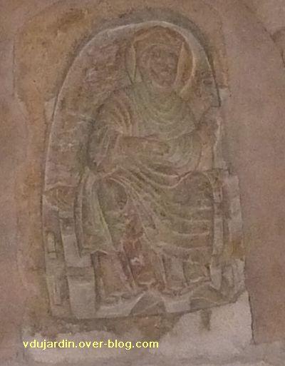 Poitiers, relief sous le clocher de Sainte-Radegonde : Radegonde vue de près