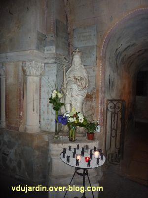 Poitiers, Anne d'Autriche en sainte Radegonde, 2, vue plus lointaine
