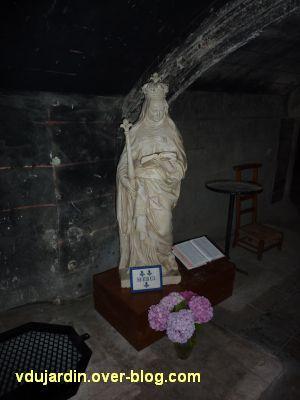Poitiers, Anne d'Autriche en sainte Radegonde, 1, vue de face