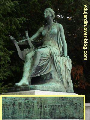Le monument Goethe à Strasbourg, 5, la muse à gauche, art ou poésie lyrique