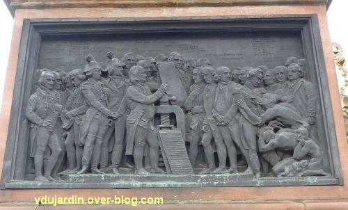 Strasbourg, monument Gutenberg, 7, le relief Amérique