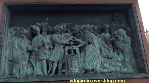 Strasbourg, monument Gutenberg, 11, le relief Asie