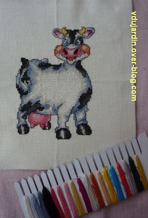 La vache de Pako, 1, avec les points arrière et reste de fil
