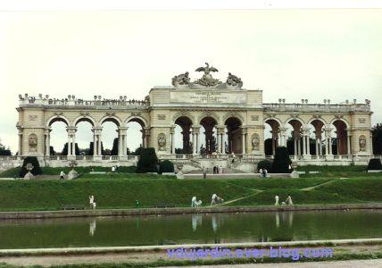 Le château de Schönbrünn à Vienne en Autriche en 1993, 3, la gloriette