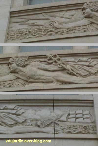 Poste d'Angers, façade rue Saint-Julien, 4, détails du relief central avec Mercure