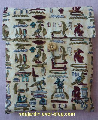 Cadeaux d'emmanuelle en mars 2012, 2, pochette à livre, recto