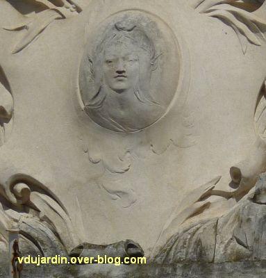 La préfecture des Deux-Sèvres à Niort, 3, la marianne du fronton sculpté