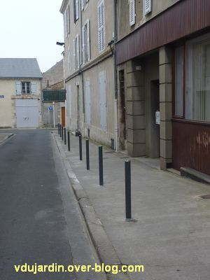 Poitiers, avril 2012, 13, piquets rue Augouard