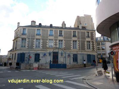 Poitiers, la banque de France, 1, façade rue Jean Jaurès