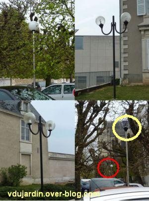 Le nouveau mobilier urbain de Poitiers, mars 2012, 07, lampadaires boules place de la Cathédrale