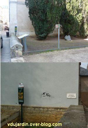 Le nouveau mobilier urbain de Poitiers, mars 2012, 12, distributeurs de sacs à crottes