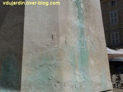 Monument à Jean Guiton à La Rochelle, 04, le relief sur le socle