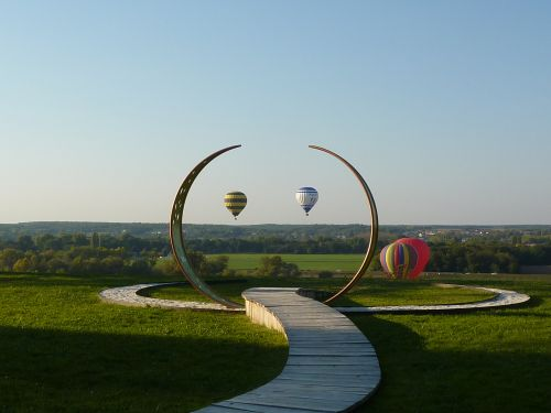 Chaumont-sur-Loire 2011, envolée de montgolfières dans l'oeuvre de Dominique Bailly