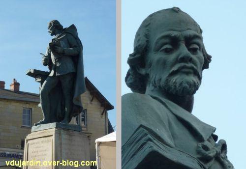 Le monument Théophraste Renaudot à Loudun, 3, vue de trois quarts et détail du visage