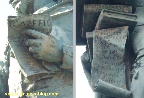 Le monument Théophraste Renaudot à Loudun, 6, détail de la gazette et de la reconnaissance royale