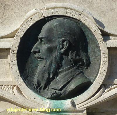 Le monument Théophraste Renaudot à Loudun, 8, le médaillon à Eugène Hatin