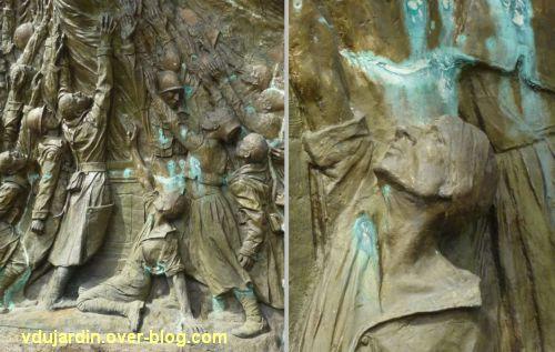 Monument aux morts de Skikda/Philippeville à Toulouse, 8, deux détails de la partie centrale