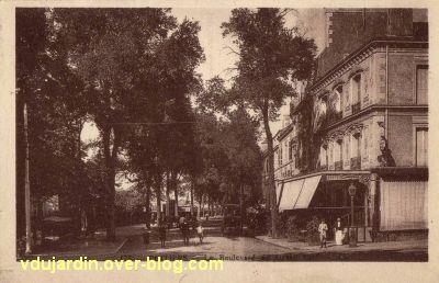 Poitiers, les hôtels de la gare, carte postale ancienne, 1, le boulevard du Grand Cerf