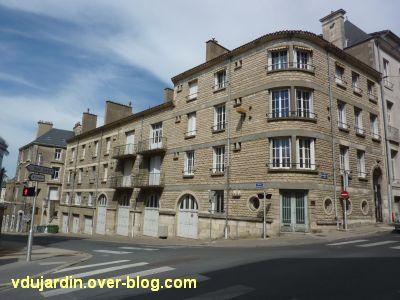 Poitiers, immeuble de la reconstruction après 1945, à l'angle des rues Boncenne et des Carmélites