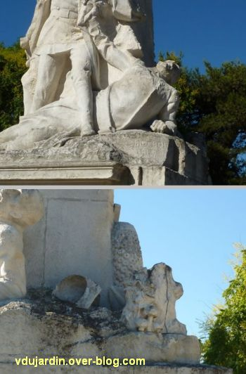 La Rochelle, monument aux soldats et marins, 5, le soldat mourant et son casque