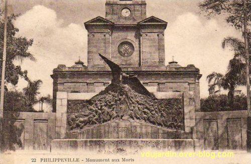 Le monument aux morts de Skikda (Philippeville) à son emplacement d'origine, carte postale ancienne