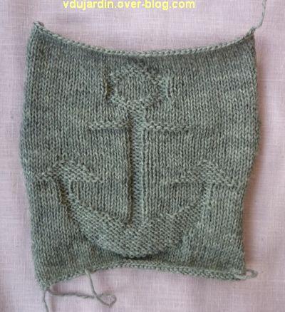 Un carré gris tricoté pour Brigitte : avec une ancre