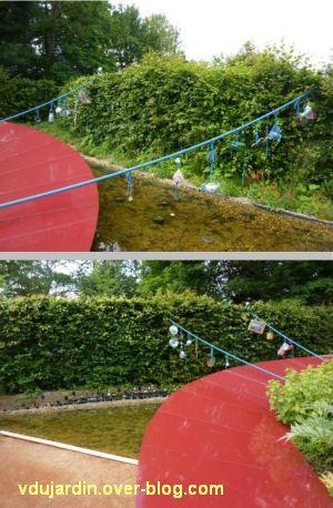 Chaumont-sur-Loire, festival des jardins 2012, jardin 13, 3, deux vues avec des objets suspendus