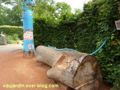 Chaumont-sur-Loire, festival des jardins 2012, jardin 13, 4, banc et arbre recouvert