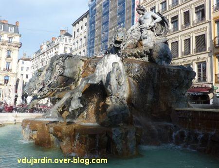 La fontaine Bartholdi à Lyon, 2, vue générale de côté