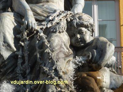 La fontaine Bartholdi à Lyon, 6, détail de l'enfant