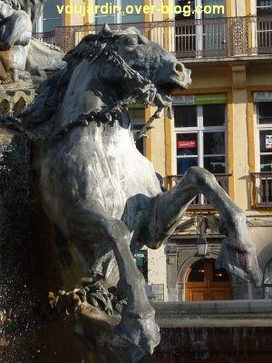 La fontaine Bartholdi à Lyon, 8, un cheval de droite