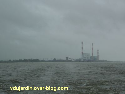 Le voyage à Nantes 2012, 07, la centrale de Cordemais depuis le bateau