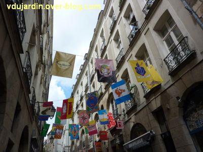 Le voyage à Nantes 2012, 03, les fanions
