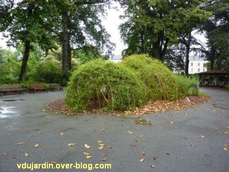 Nantes 2012, le jardin des plantes, 01, cabane en osier vivant