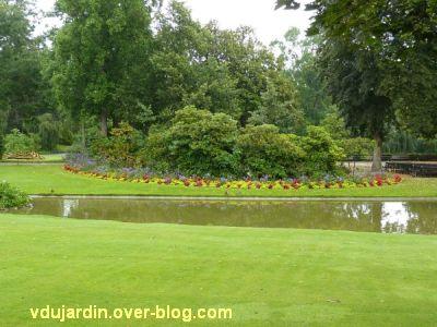 Nantes 2012, le jardin des plantes, 06, rivière et parterre