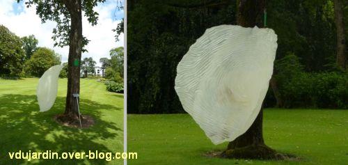 Nantes 2012, l'art au jardin des plantes, 2, pétale de fleur en plastique