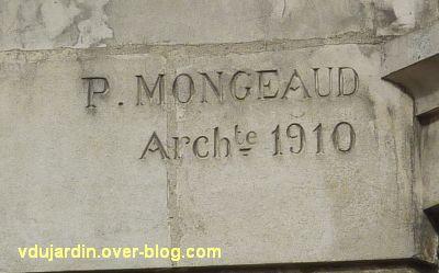 Niort, Au gagne petit, 2, la signature de l'architecte Mongeaud et la date 1910
