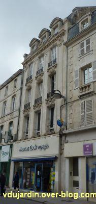 Niort, un magasin de 1906 près des halles, 1, la façade