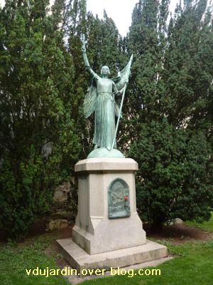 Poitiers, Jeanne-d-Arc de Real del Sarte, 03, de plus près