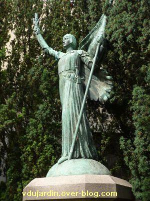 Poitiers, Jeanne-d-Arc de Real del Sarte, 08, la statue en pied
