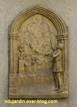 Poitiers, restauration de la plaque de Jeanne-d'Arc, 1, en cours