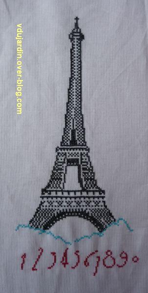 Une tour Eiffel brodée, 2, la tour en entier