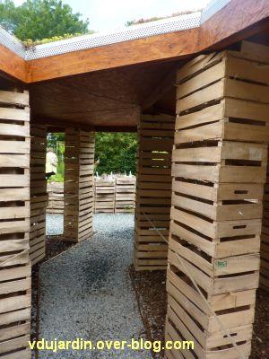 Chaumont-sur-Loire, festival des jardins 2012, jardin 8, 2, sous les cageots