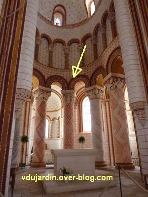 Chauvigny, église Saint-Pierre, chapiteau de l'Enfance, 01, positionnement