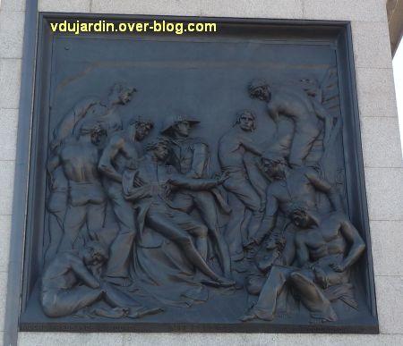 Colonne de Nelson à Trafalgar Square, Londres, 07, plaque de la bataille du Nil dite d'Aboukir