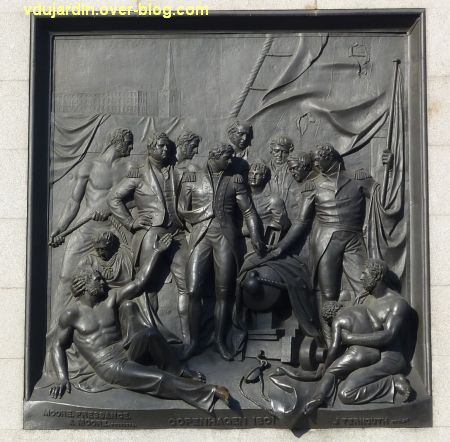 Colonne de Nelson à Trafalgar Square, Londres, 09, face de la bataille de Copenhague