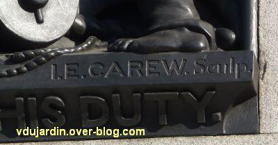 Colonne de Nelson à Trafalgar Square, Londres, 10, la signature de Carew sur la mort de Nelson